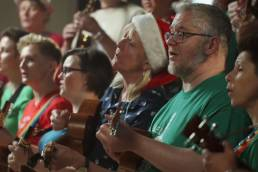 SPAR 12 deals of christmas choir